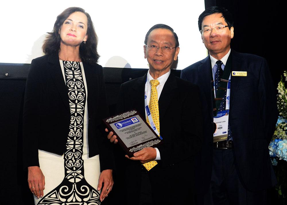 dr-yeoh-award